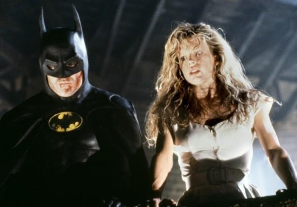 Batman: O filme foi dirigido por Tim Burton e lançado no aniversário de 50 anos do Batman. O papel principal foi dado a Michael Keaton, com Jack Nicholson interpretando o Coringa.