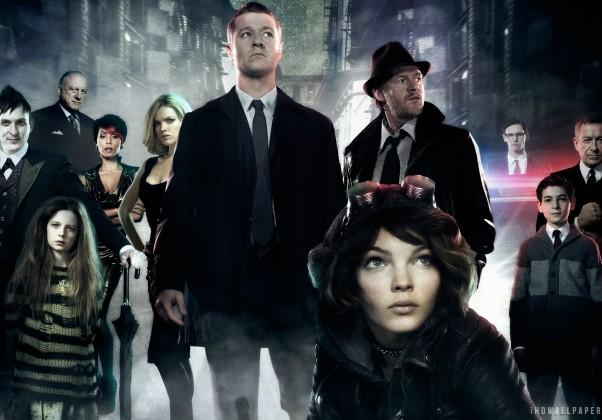Gotham: Apesar de não focar totalmente no Batman, se passa no universo do mesmo, tratando da origem de diversos vilões e personagens relacionados.
