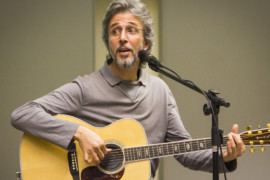 """Em """"Campos Neutrais"""", Vitor Ramil encontra sua linguagem"""